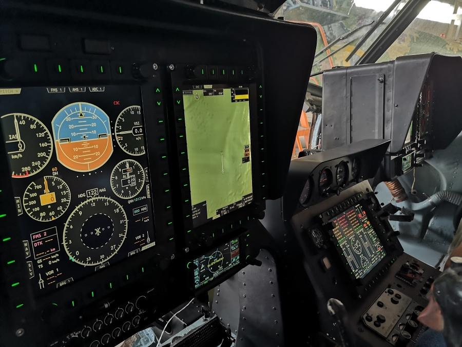 Testing the EFIS system for Mi-8MSB